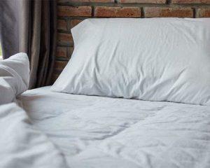 tidur tanpa bantal, adakah manfaatnya ?